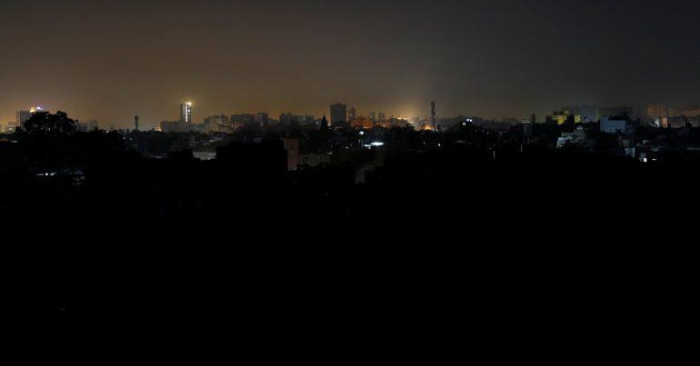 Pakistan experiences massive blackout, cities including Islamabad, Karachi slip into darkness