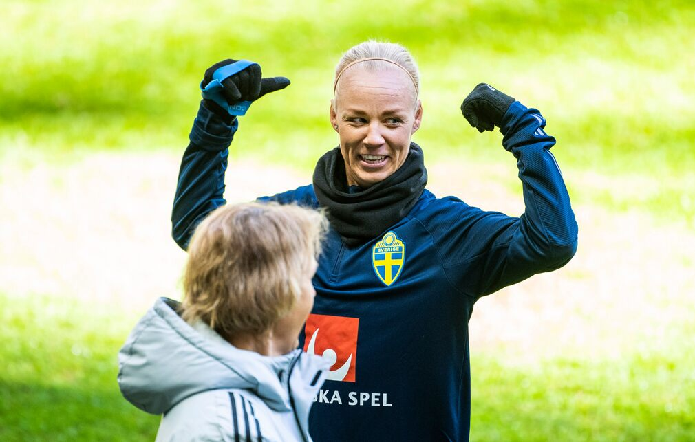 National team captain Caroline Seager.